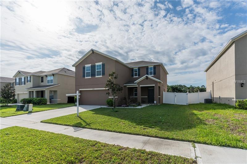 O5566238 Clermont Waterfront Homes, Single Family Waterfront Homes FL