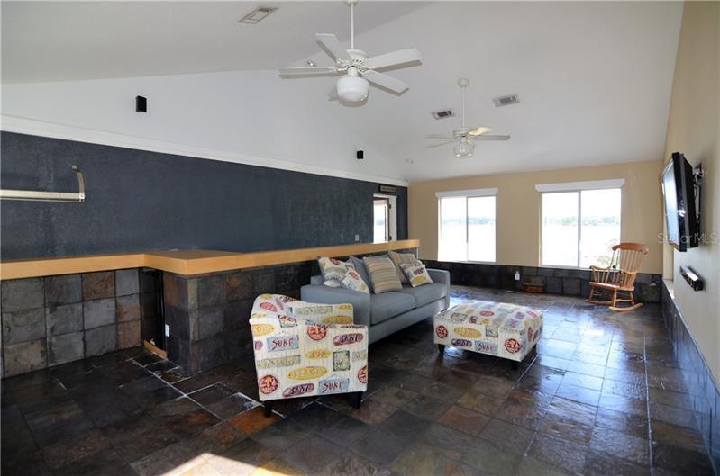 10350 LOG HOUSE, CLERMONT, FL, 34711