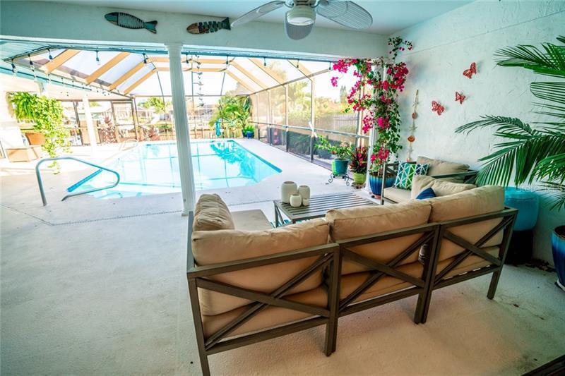 910 CHIPAWAY, APOLLO BEACH, FL, 33572