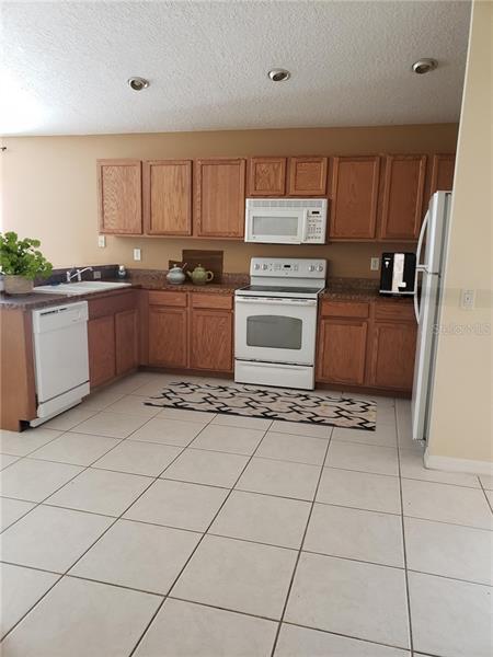 8004 LILLY BAY, GIBSONTON, FL, 33534