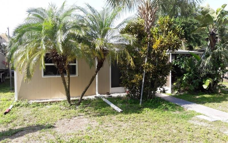 1095 NE MORTOLA, ST PETERSBURG, FL, 33702