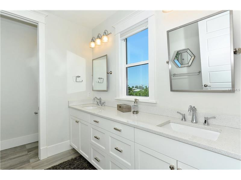 Photo of 752 N Shore Drive (A4154540) 13