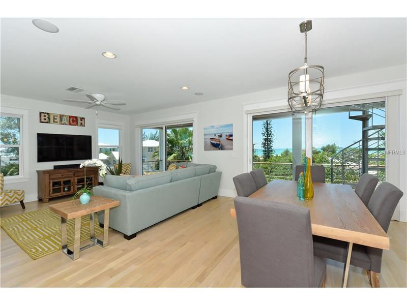 Photo of 752 N Shore Drive (A4154540) 2