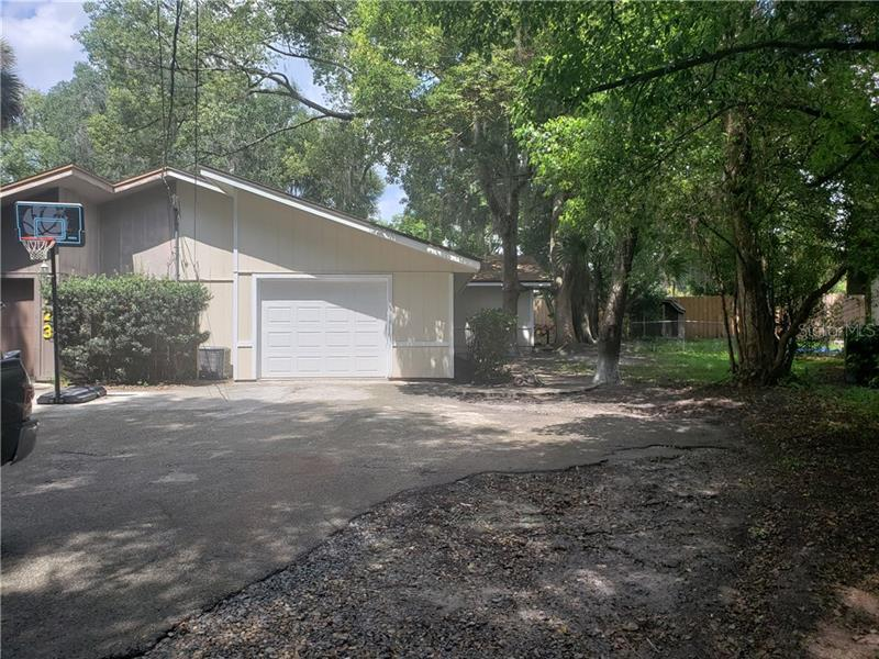 121  FOREST,  ORANGE CITY, FL