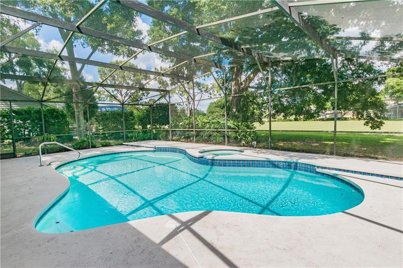 2434 SWEETWATER COUNTRY CLUB PLACE, APOPKA, FL, 32712