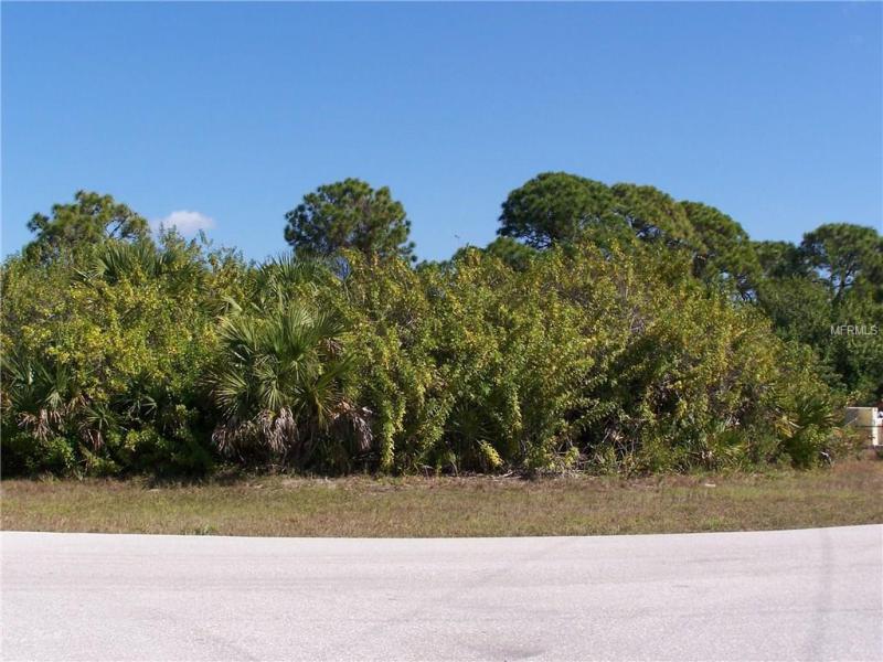 61 TEE VIEW, ROTONDA WEST, FL, 33947
