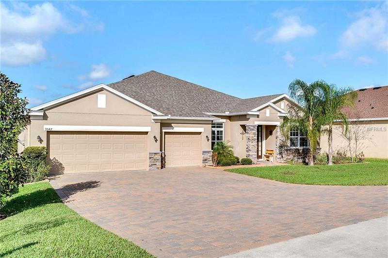 G4853508 Clermont Waterfront Homes, Single Family Waterfront Homes FL