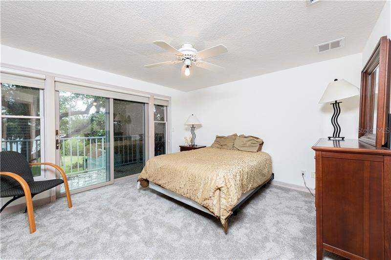 660 BLUFF VIEW, BELLEAIR BLUFFS, FL, 33770