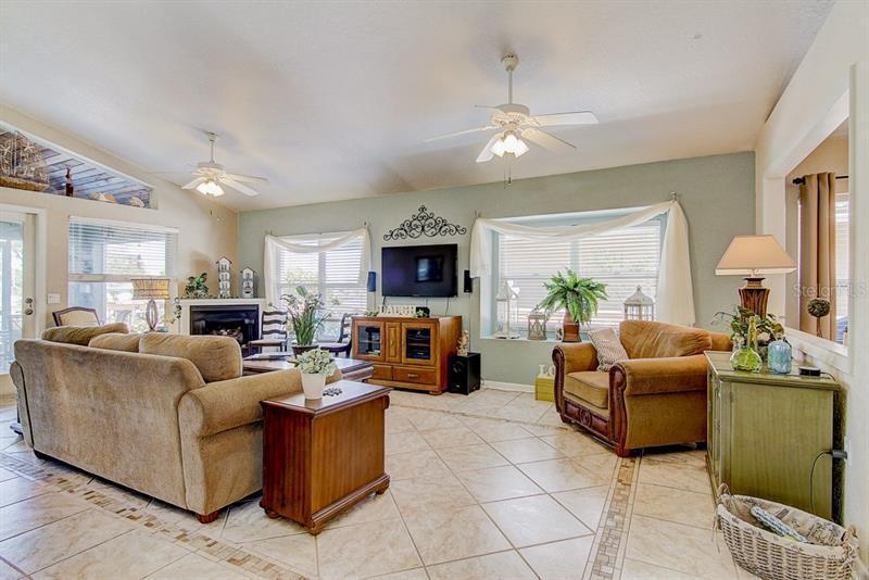835 SYMPHONY ISLES, APOLLO BEACH, FL, 33572