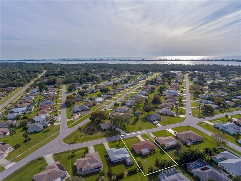 910 GILLESPIE, ENGLEWOOD, FL, 34223