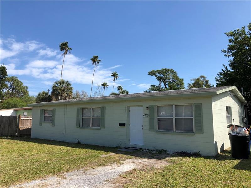 4235 NE DES MOINES, ST PETERSBURG, FL, 33703