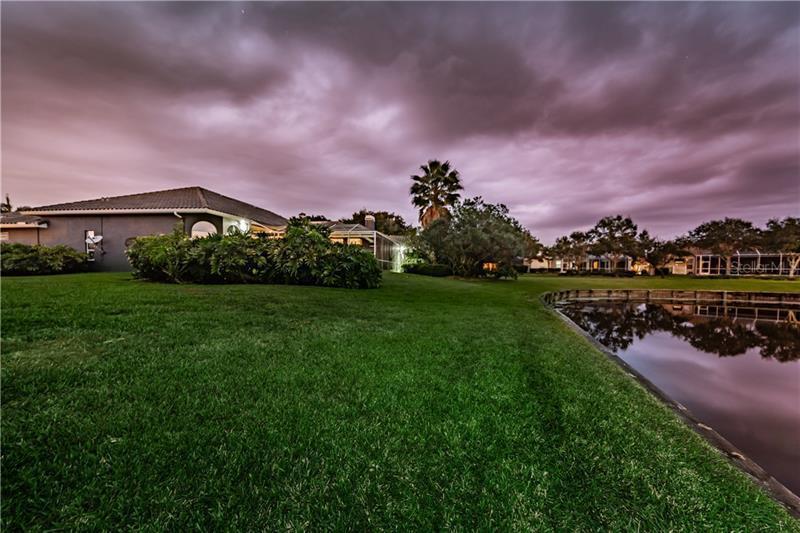 998 NE LAKE PLACIDO, ST PETERSBURG, FL, 33703