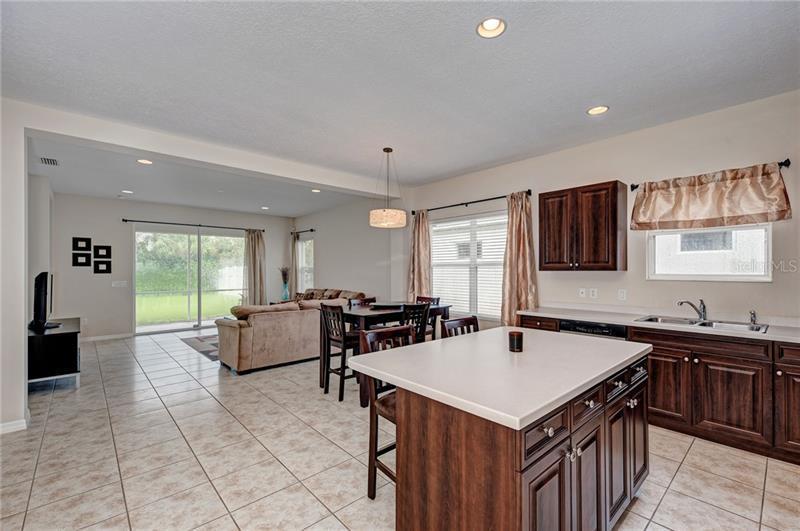 1635 WHITE BREEZE, BRADENTON, FL, 34208