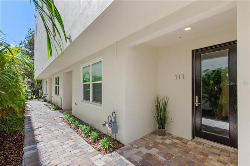 107 N 5TH, ST PETERSBURG, FL, 33701