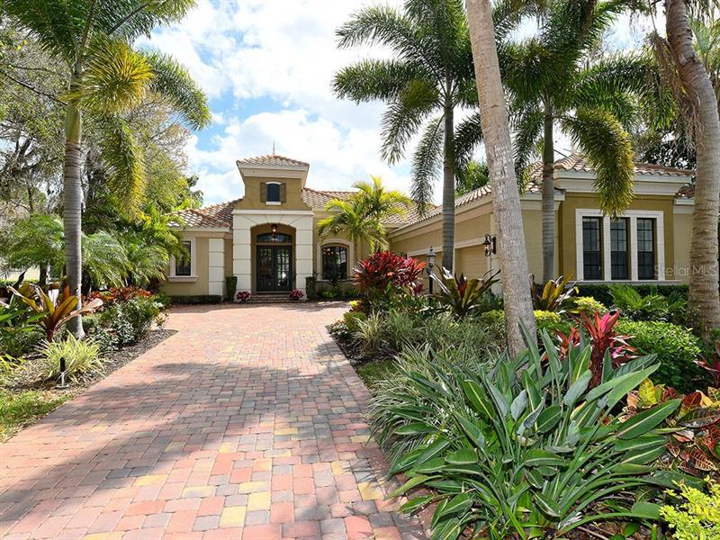 7527  GREYSTONE,  LAKEWOOD RANCH, FL