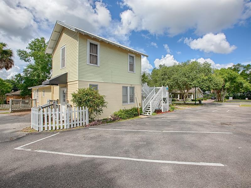 822 N DONNELLY, MOUNT DORA, FL, 32757