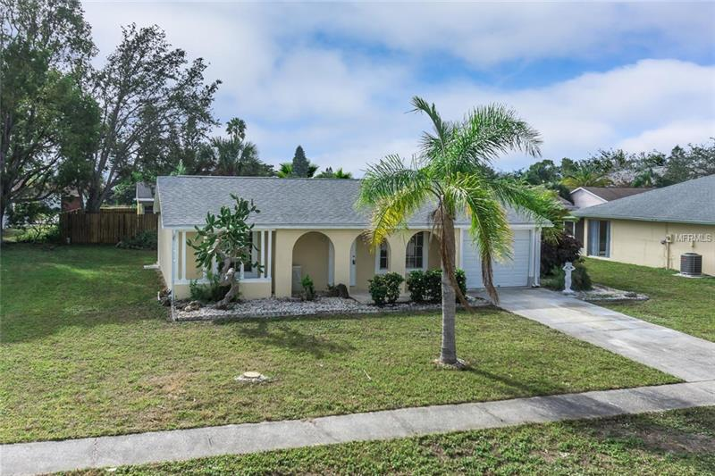 13537  DARNELL,  PORT CHARLOTTE, FL