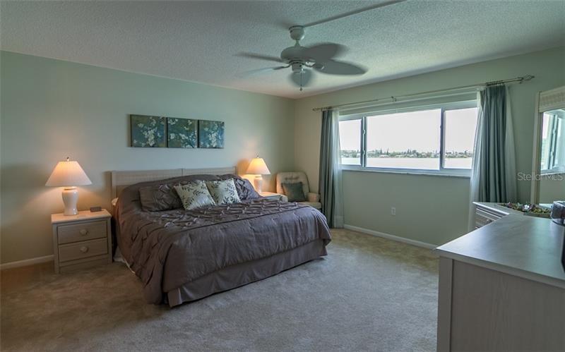 280 126TH 304, TREASURE ISLAND, FL, 33706