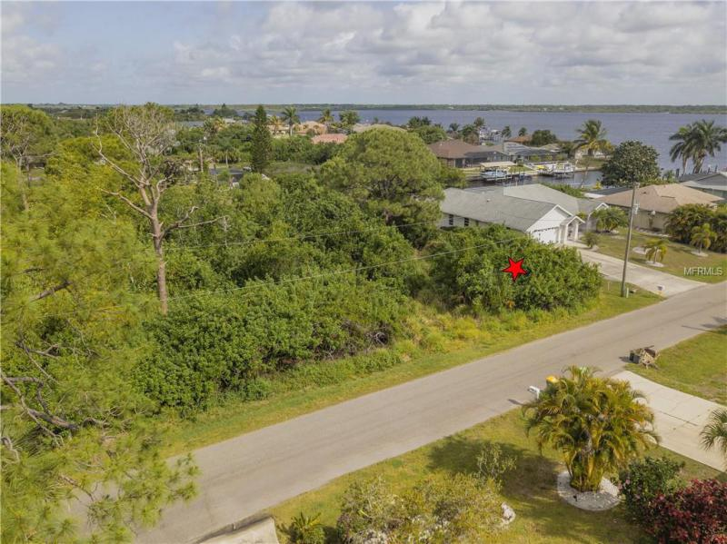 3049  CURRY,  PORT CHARLOTTE, FL