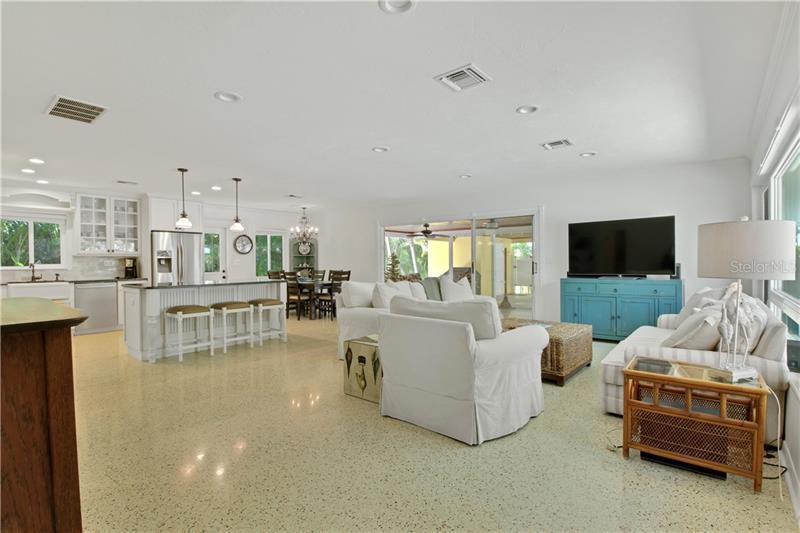 2795 N BEACH, ENGLEWOOD, FL, 34223