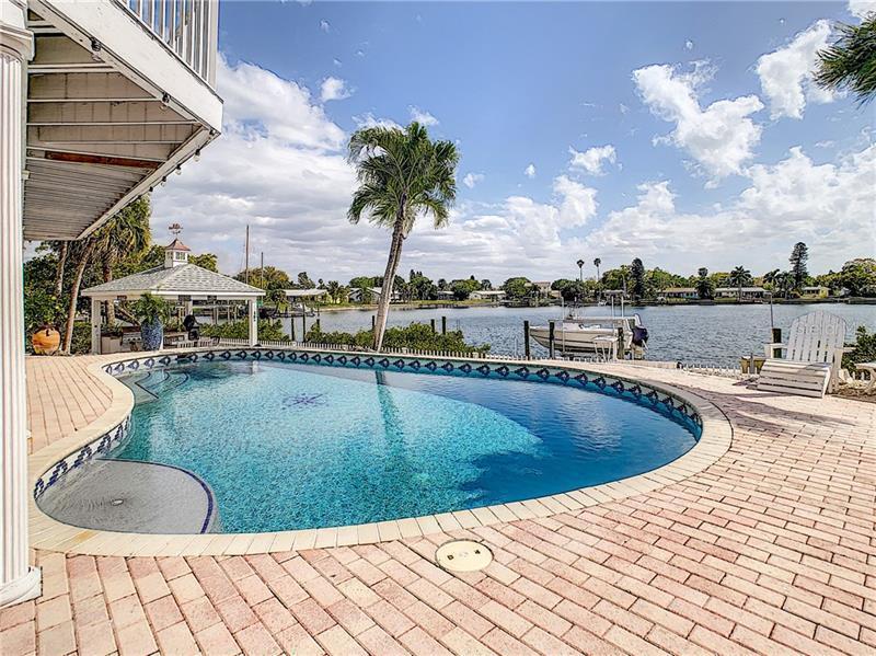 3151 SE COQUINA KEY, ST PETERSBURG, FL, 33705