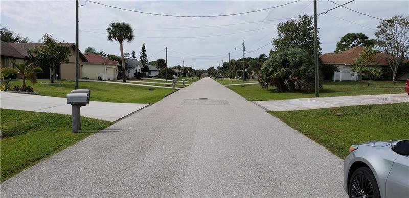 41 MARK TWAIN, ROTONDA WEST, FL, 33947