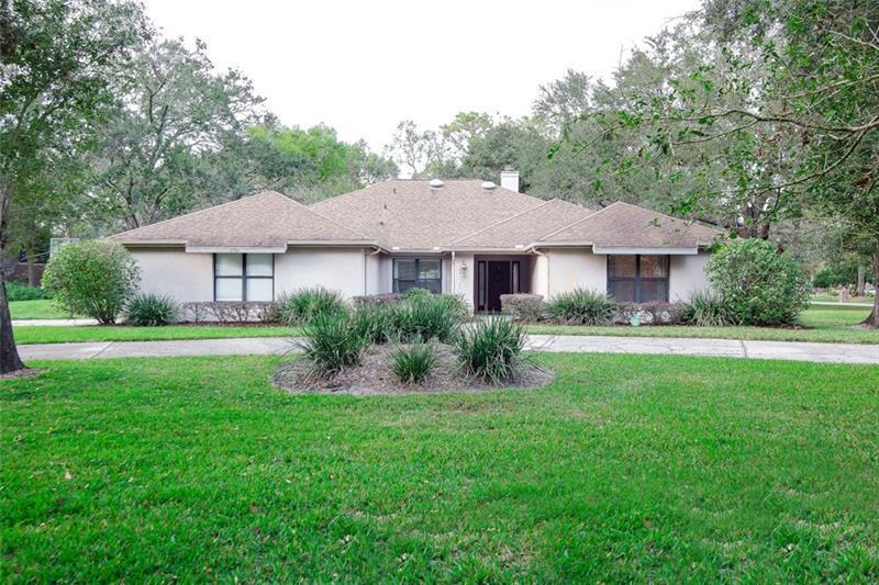 1751  CROWN POINT WOODS,  OCOEE, FL