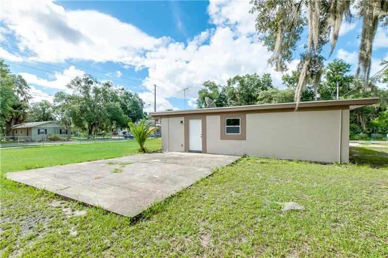 825 E JACKSON, MOUNT DORA, FL, 32757