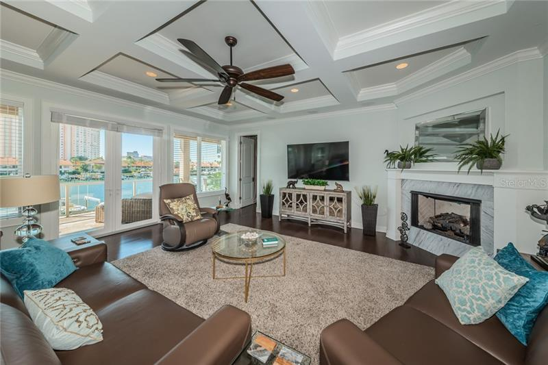 23 S BAYFRONT, ST PETERSBURG, FL, 33711