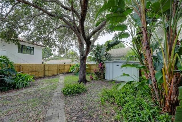 1024 NE BAY, ST PETERSBURG, FL, 33701
