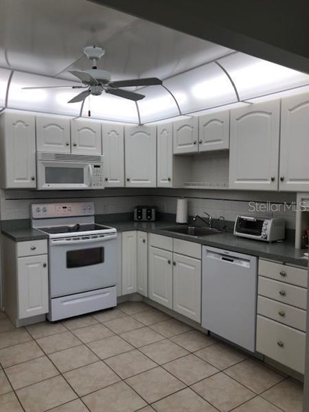 5080 NE LOCUST 233, ST PETERSBURG, FL, 33703