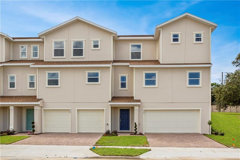 960 LAKEFRONT VILLAGE, CLERMONT, FL, 34711