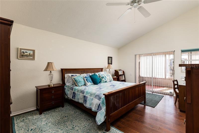 23 S JEFFERSON, ST PETERSBURG, FL, 33711