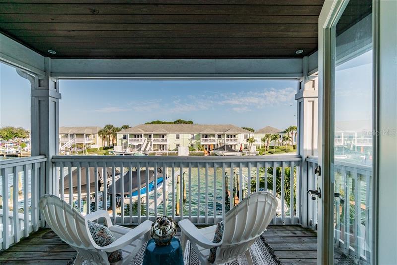 5202 SE BEACH D, ST PETERSBURG, FL, 33705