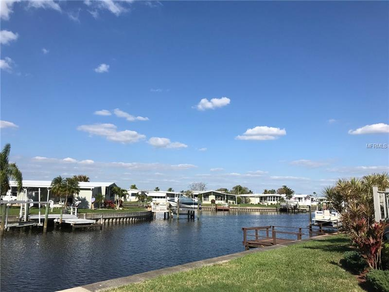 203 NE MOUNT ISLE,  ST PETERSBURG, FL