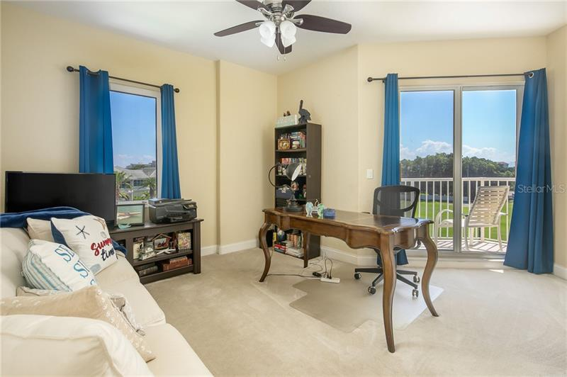 6025 SUN 303, ST PETERSBURG, FL, 33715