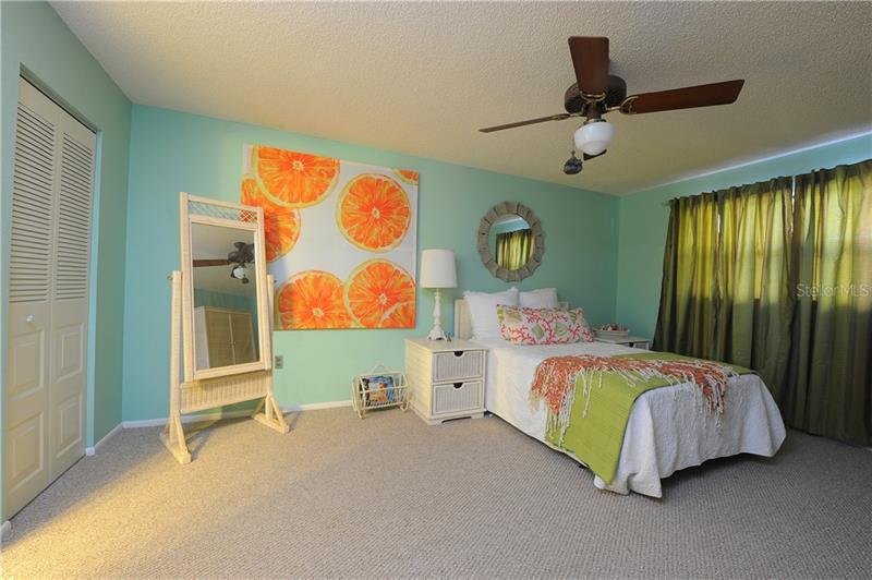 8199 N TERRACE GARDEN 114, ST PETERSBURG, FL, 33709
