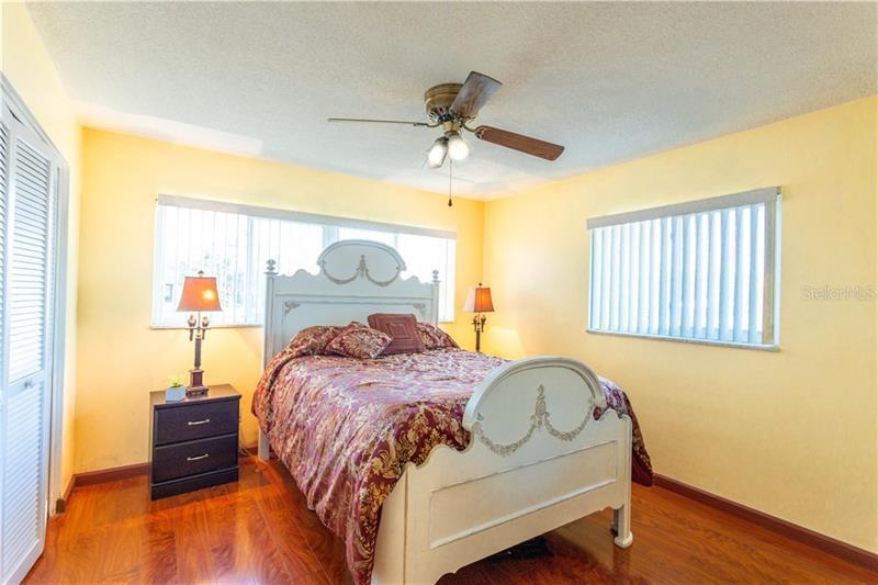 6864 N 38TH, ST PETERSBURG, FL, 33710