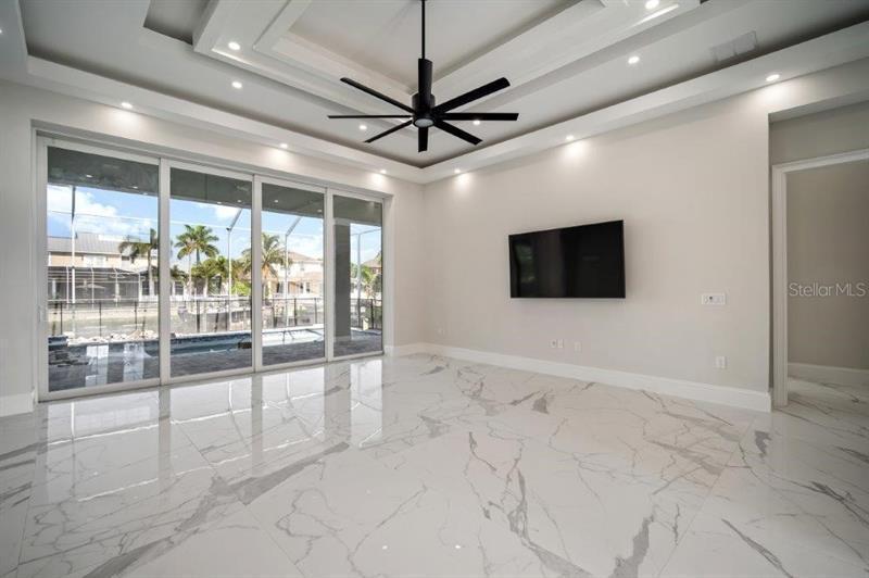713 PINCKNEY, APOLLO BEACH, FL, 33572