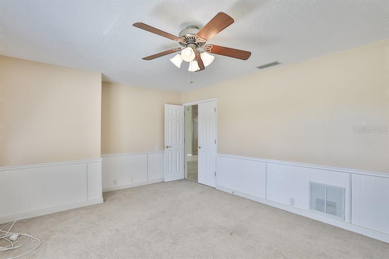 4315 E PRESIDENTIAL AVENUE, BRADENTON, FL, 34203