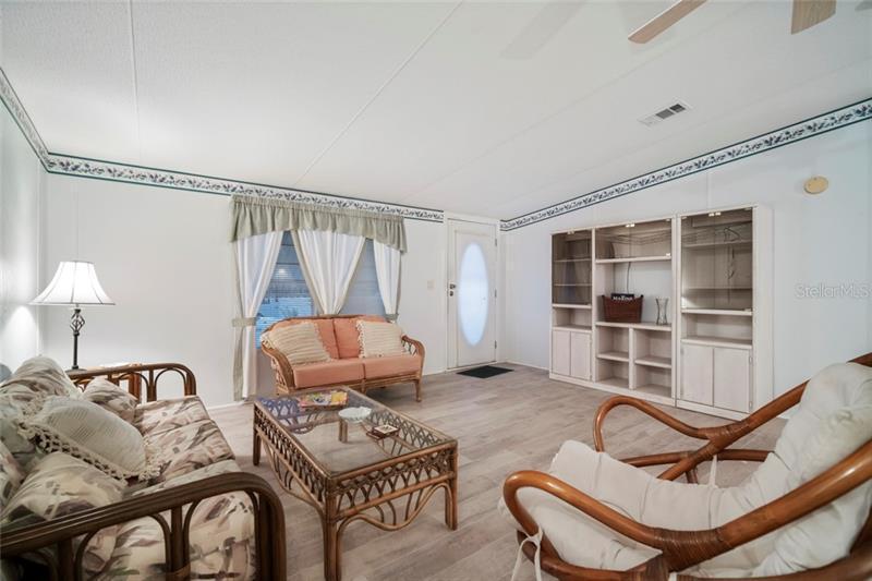 130 W SAINT ANNES, APOLLO BEACH, FL, 33572