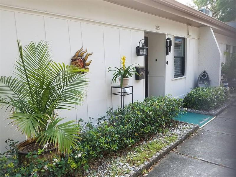 1385  MISSION HILLS,  CLEARWATER, FL