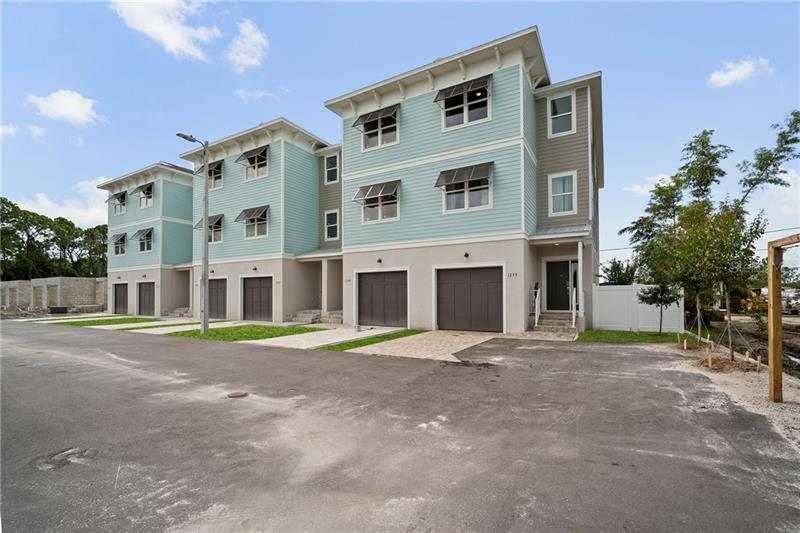 1289 NE SAVONA, ST PETERSBURG, FL, 33702