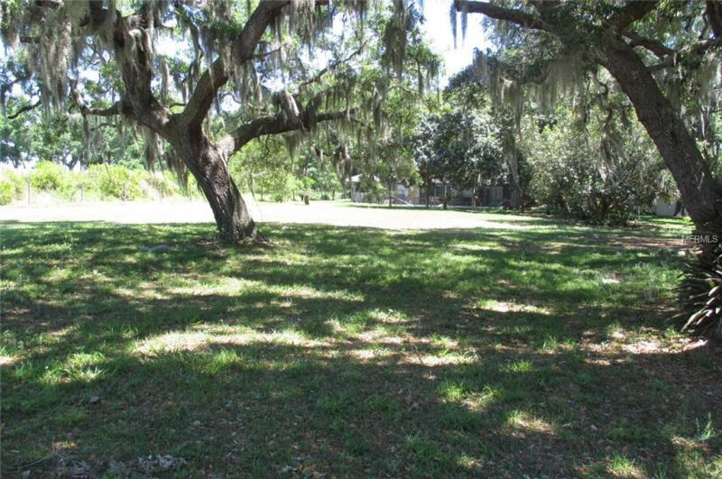 N TEMPLE, HOWEY IN THE HILLS, FL, 34737