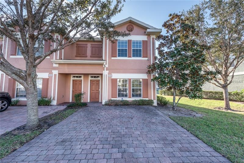 O5734285 Kissimmee Waterfront Condos, Condo Buildings, Condominiums FL