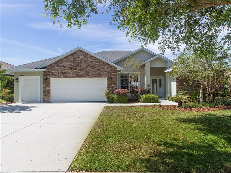 G4853819 Clermont Waterfront Homes, Single Family Waterfront Homes FL
