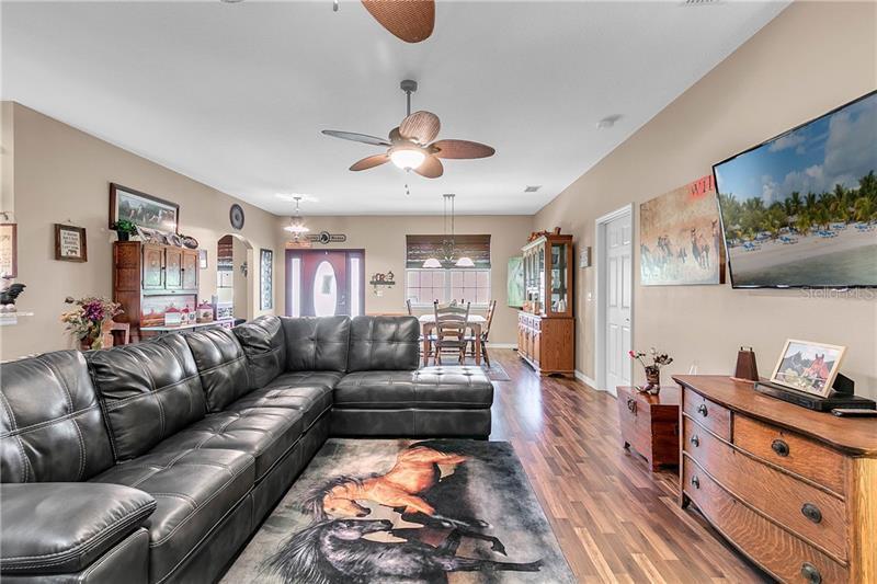 9152 SAMS LAKE, MINNEOLA, FL, 34715