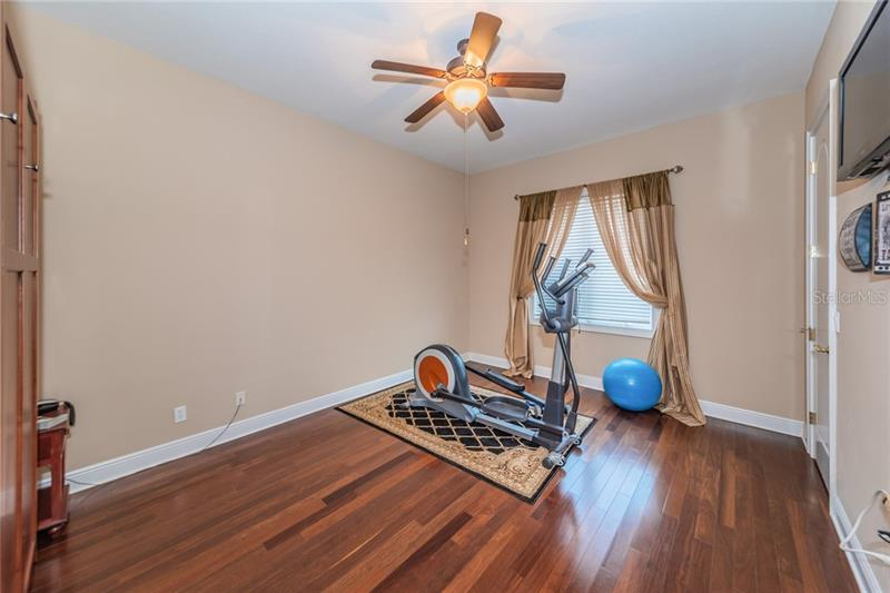 4400 NE BAYSHORE, ST PETERSBURG, FL, 33703