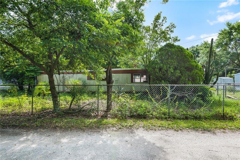 2040  BRICKHOUSE,  LUTZ, FL