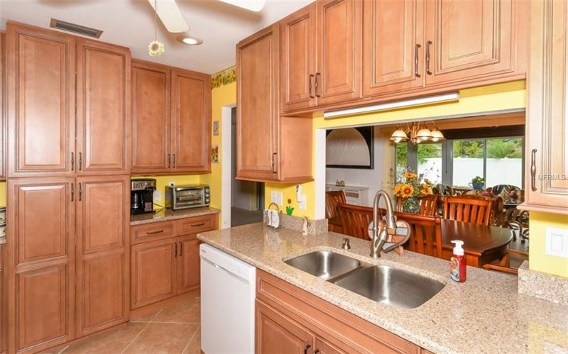 Photo of 7452 W  Country Club Drive (A4184187) 10